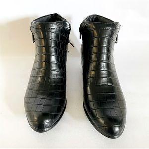 Croc black boots